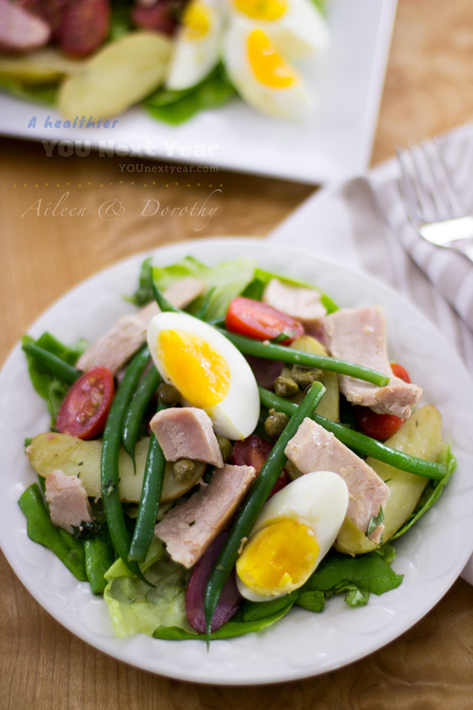 Welcome the spring with Aileen's Tuna Salad Niçoise! French beans, fingerling potatoes in three colours, capers, eggs, grapes tomatoes, lettuce and fresh tuna - all tossed in tangy vinaigrette.